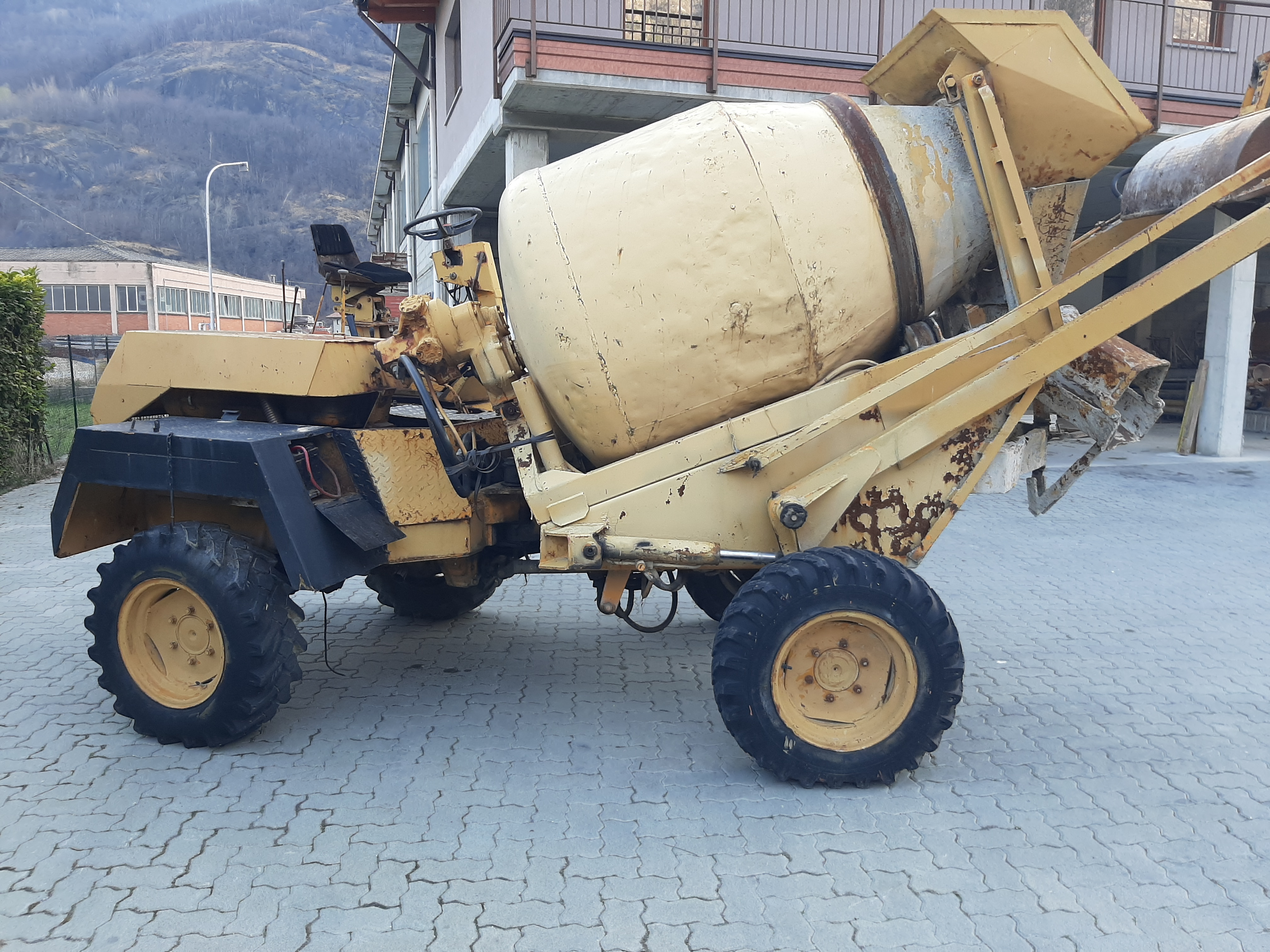 dumper betoniera autocaricante in vendita - foto 3