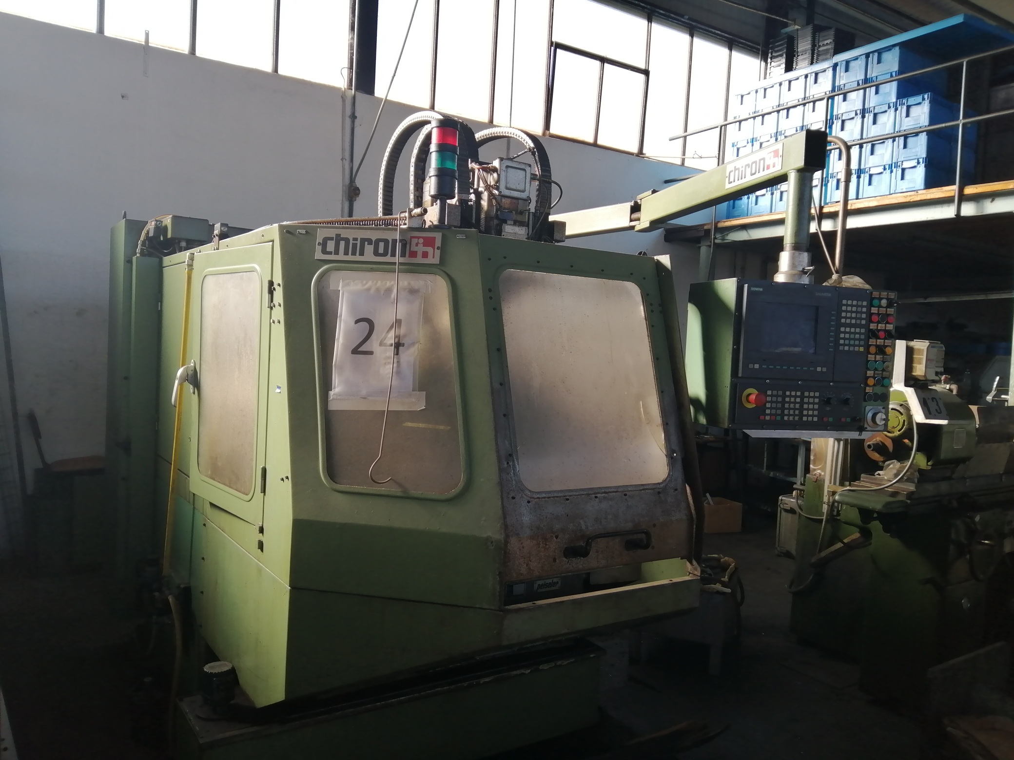 Macchina Industriale CHIRON FZ16 NC con Sinumerik 810D in vendita - foto 1
