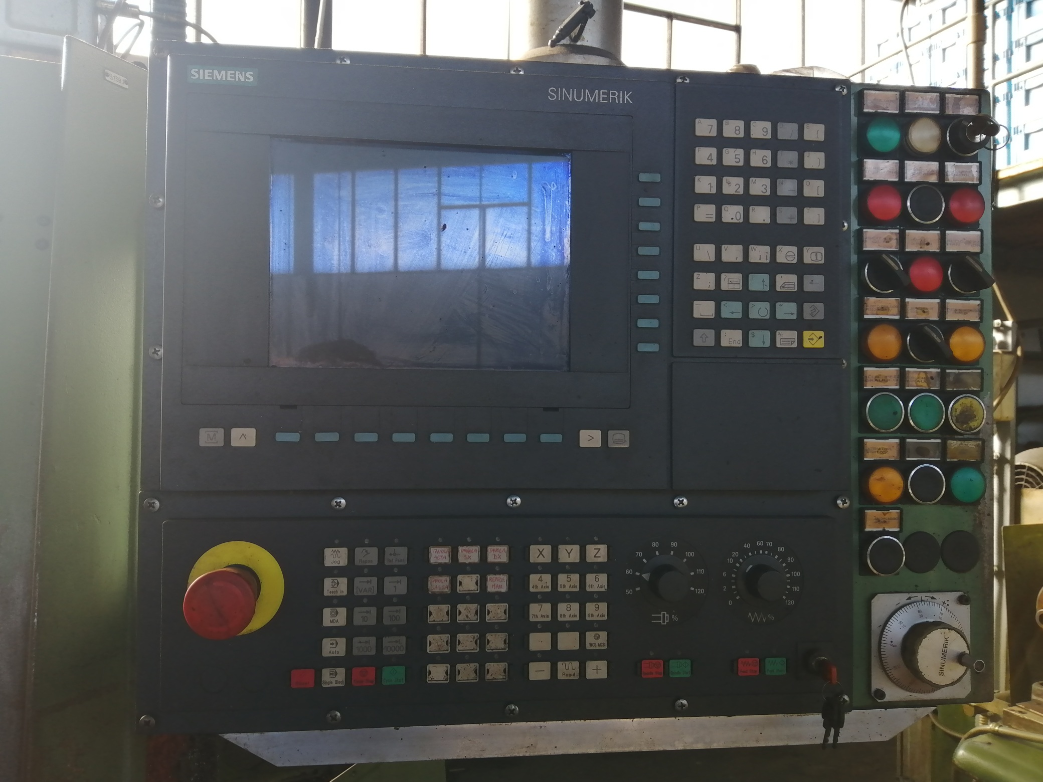 Macchina Industriale CHIRON FZ16 NC con Sinumerik 810D in vendita - foto 2