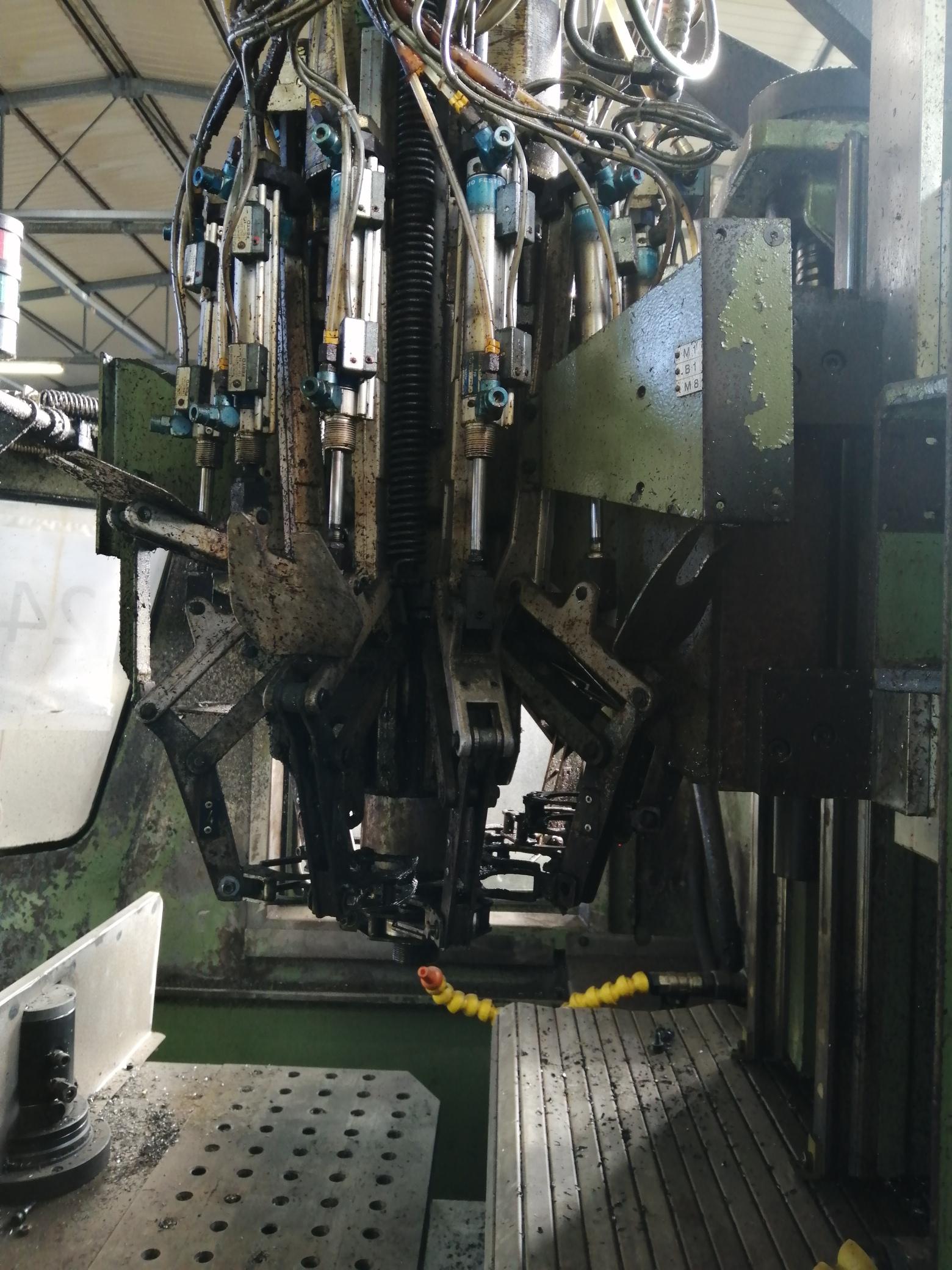 Macchina Industriale CHIRON FZ16 NC con Sinumerik 810D in vendita - foto 5