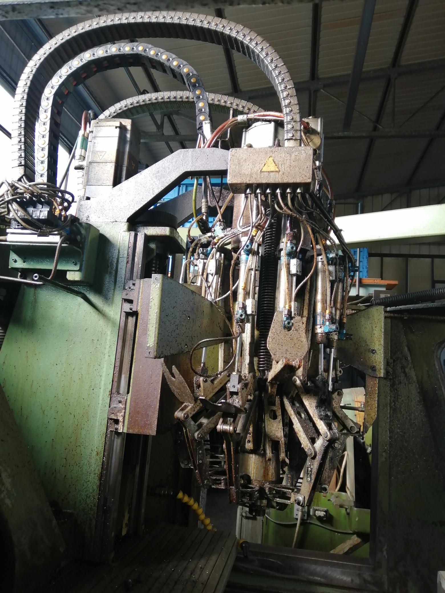 Macchina Industriale CHIRON FZ16 NC con Sinumerik 810D in vendita - foto 7