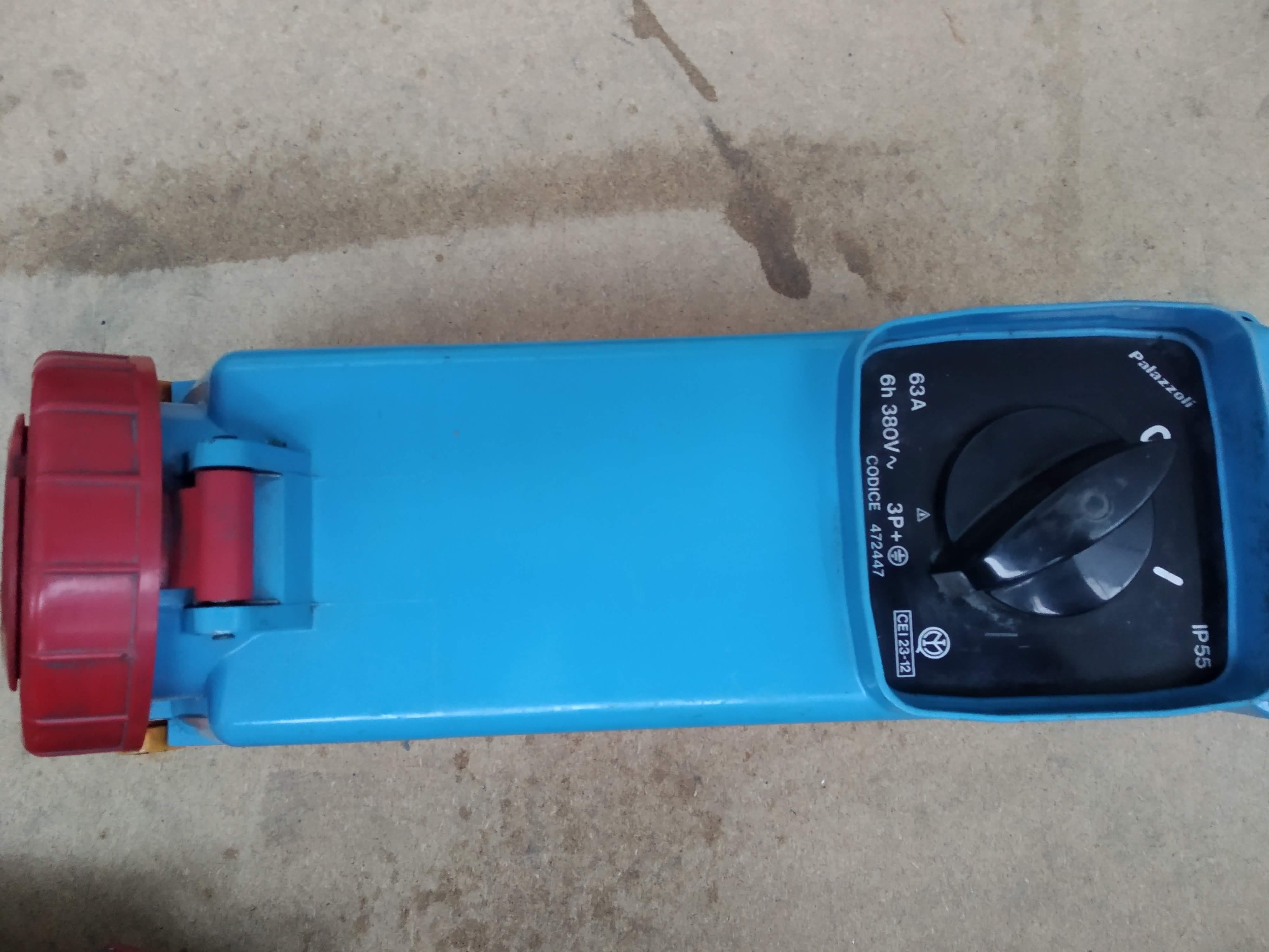 Materiale elettrico in vendita