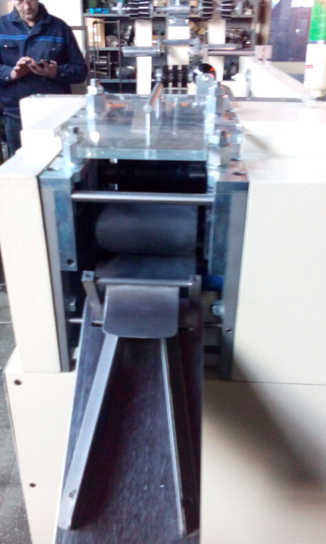 macchina per  assorbenti da dona  per post parto in vendita - foto 2