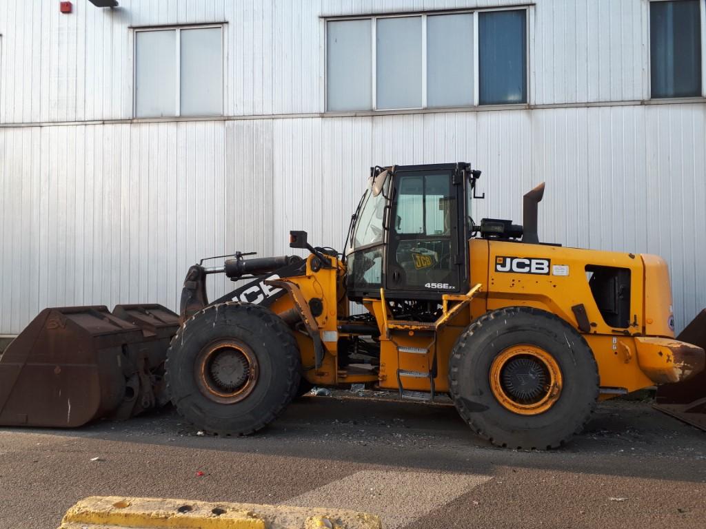Pala gommata JCB 456, anno 2010, 16.000 ore  in vendita - foto 8