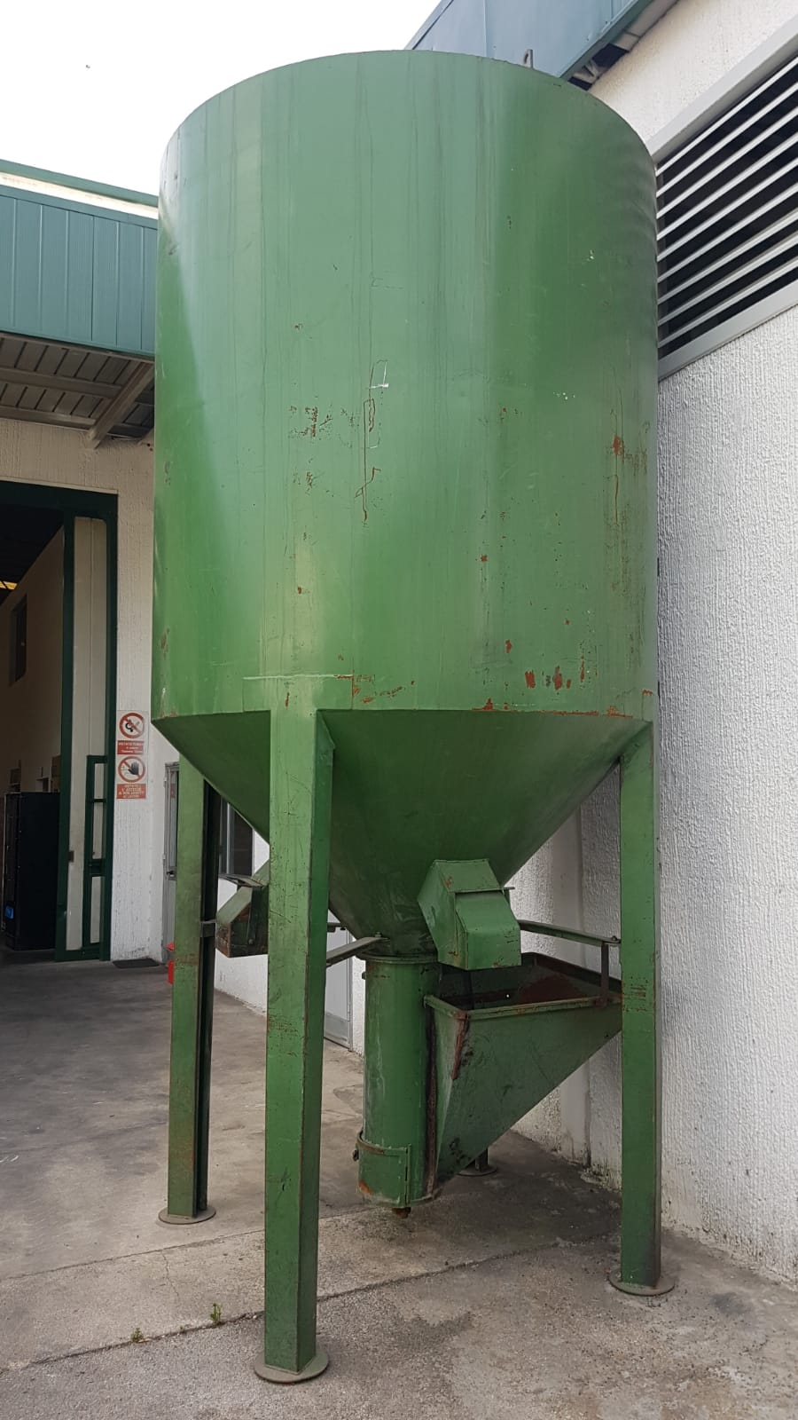 silos miscelatore lt. 5000 in vendita - foto 1