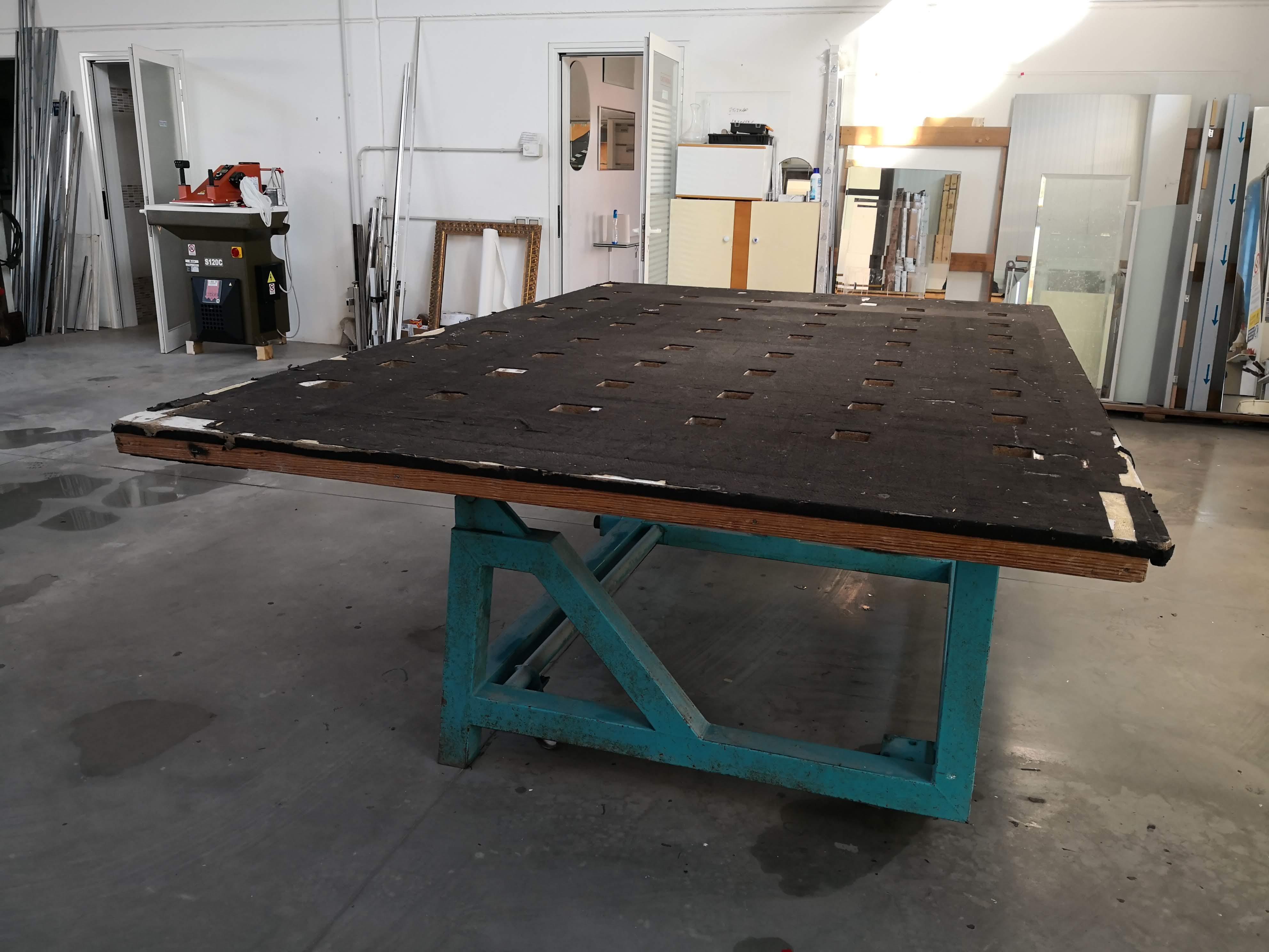 Tavolo per la lavorazione del vetro in vendita - foto 9
