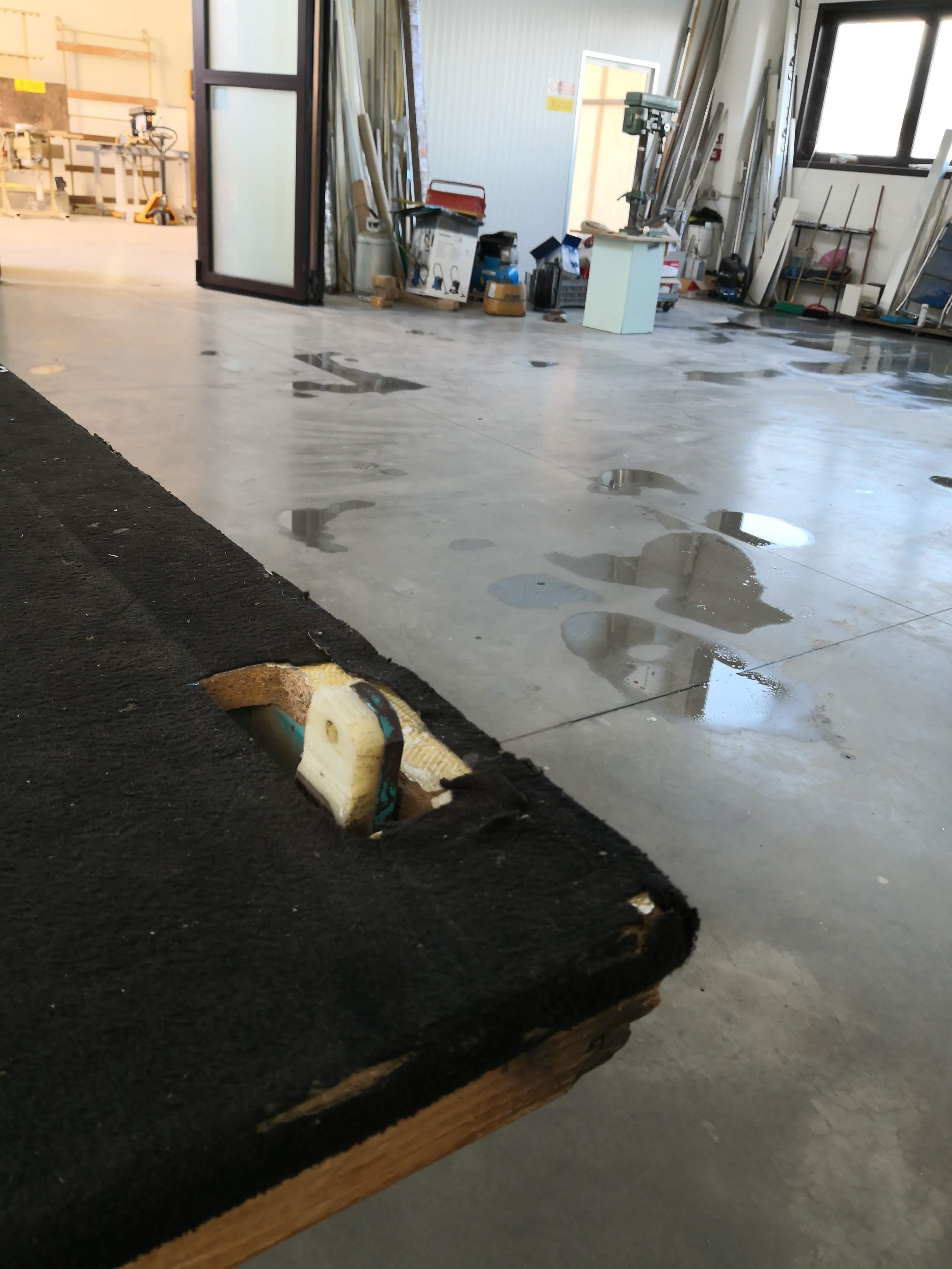 Tavolo per la lavorazione del vetro in vendita - foto 5