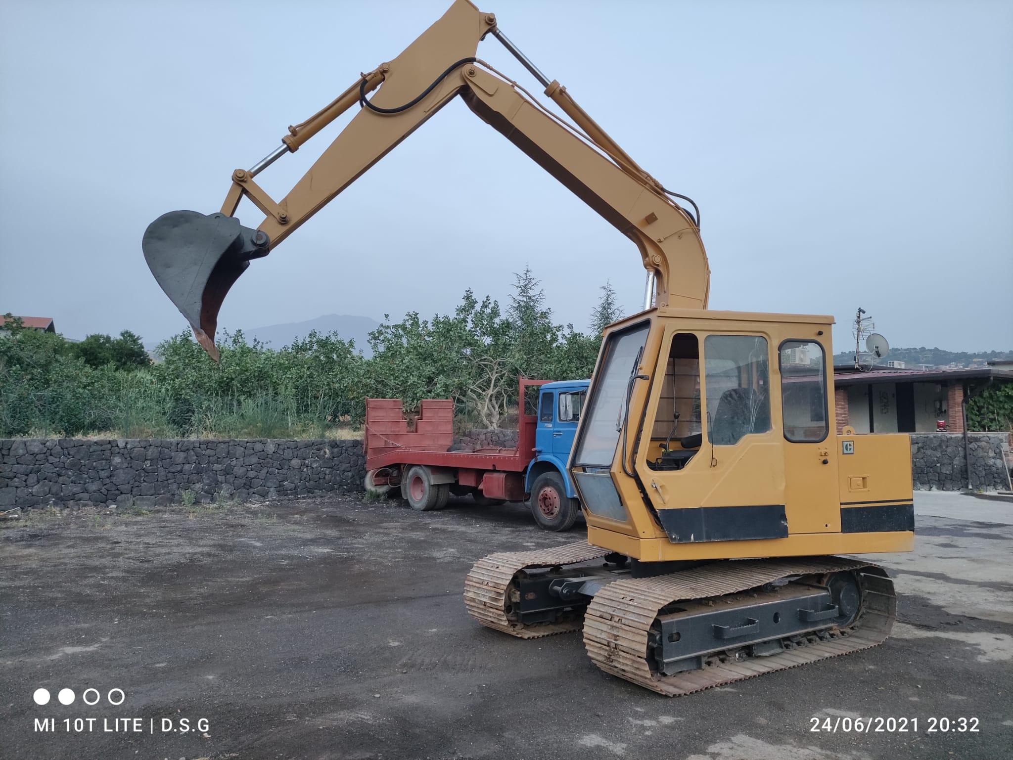 escavatore  in vendita - foto 1