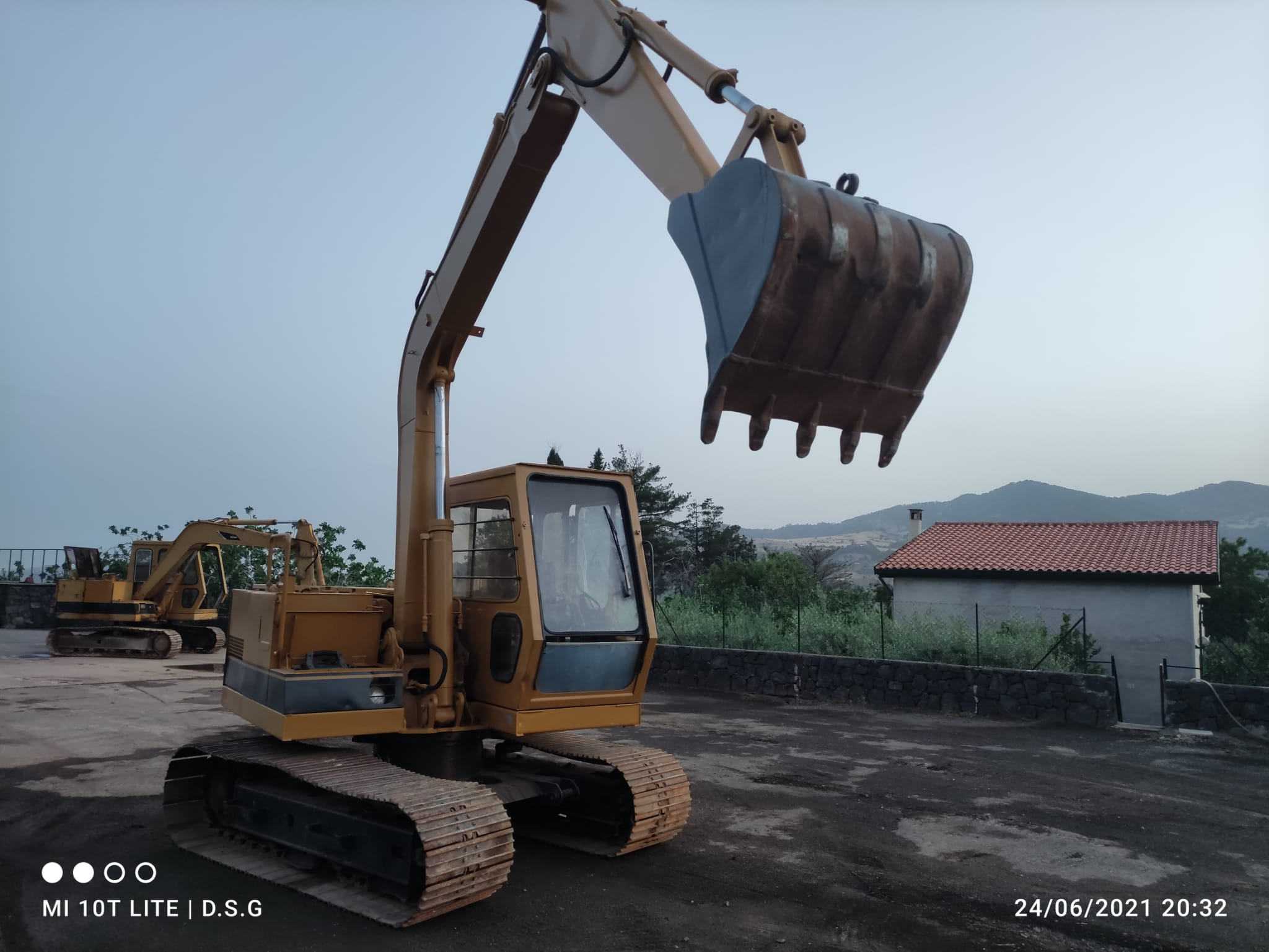 escavatore  in vendita - foto 2