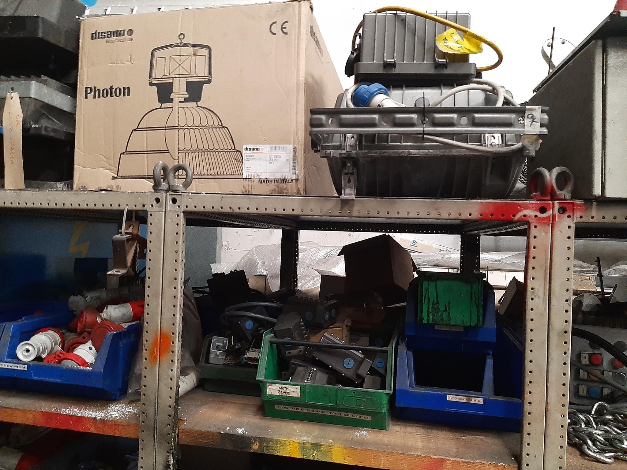 Magazzino componenti elettrici in vendita - foto 2
