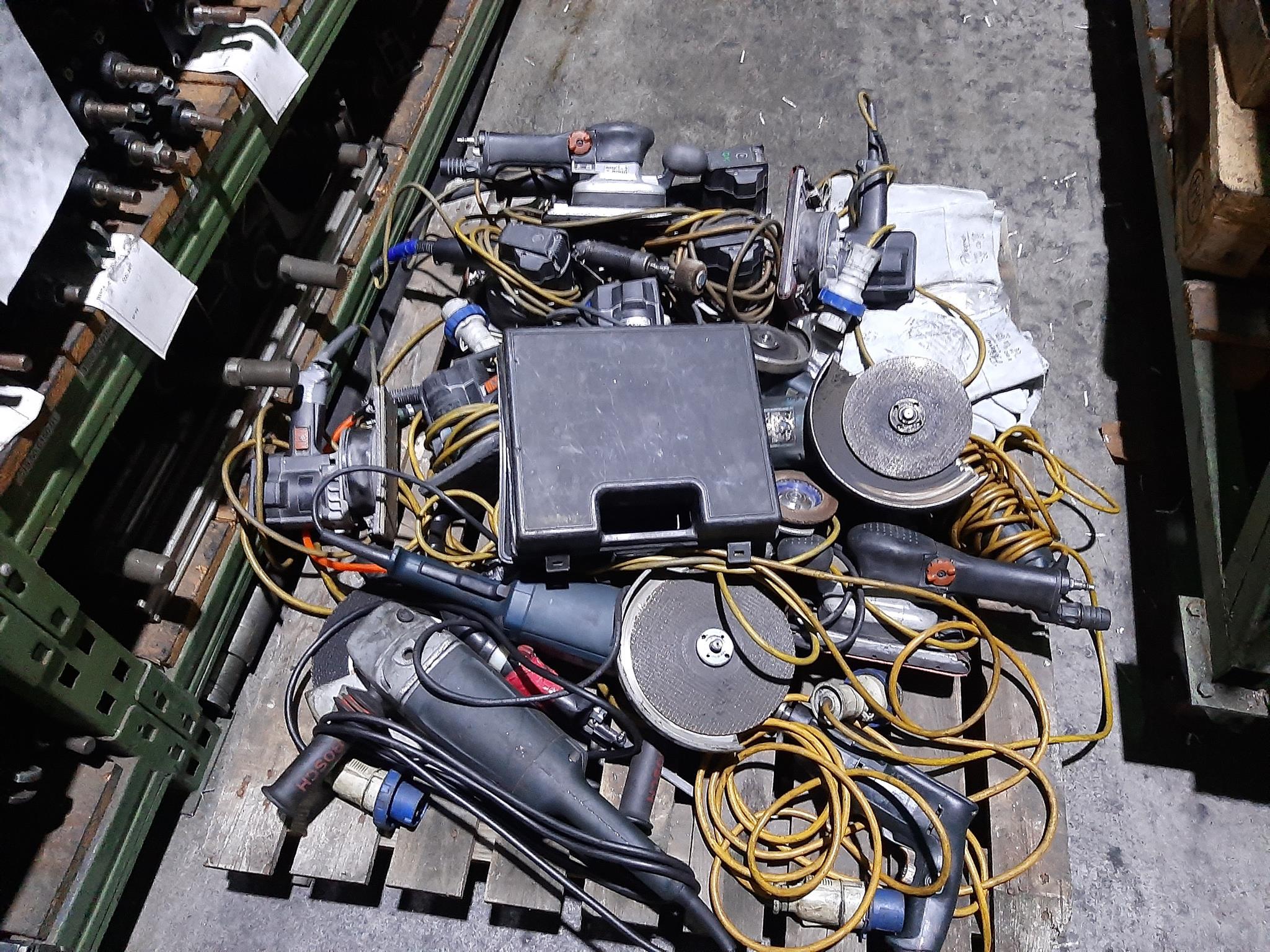 Magazzino componenti meccanici e oleodinamici in vendita - foto 6