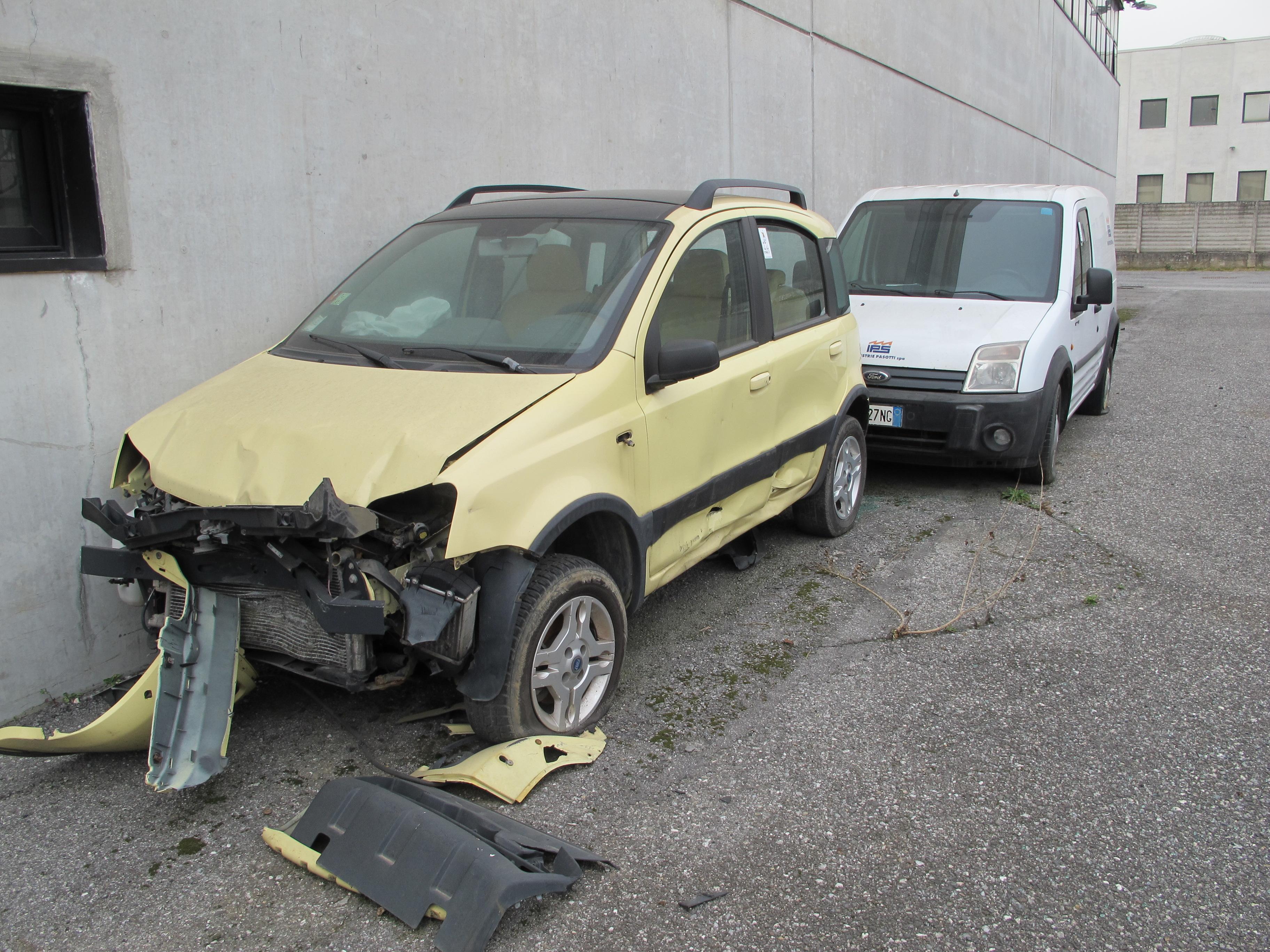 Fiat Panda e furgone Ford Transit in vendita - foto 1