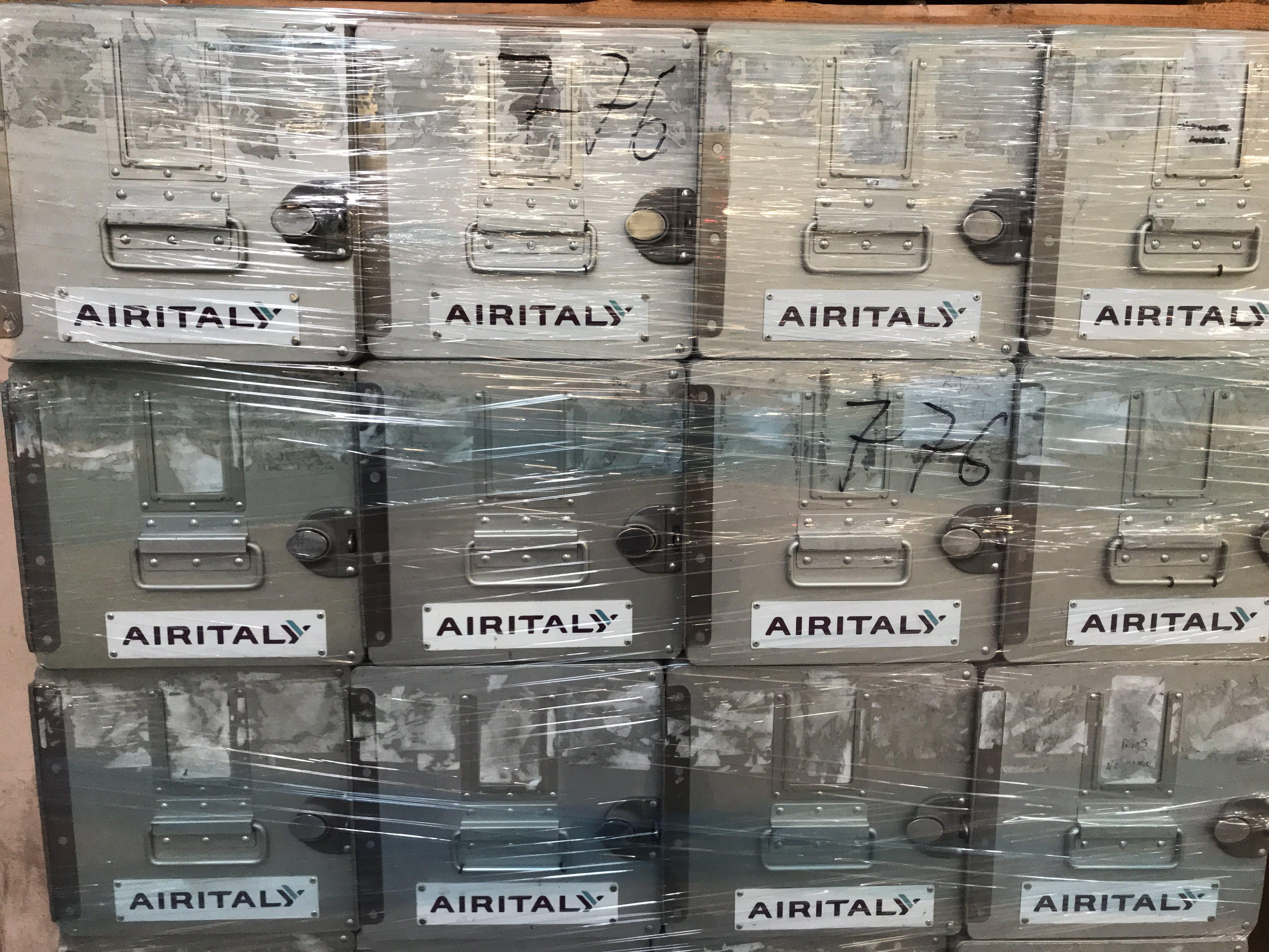 Stock di trolleys and standard units  in vendita - foto 4