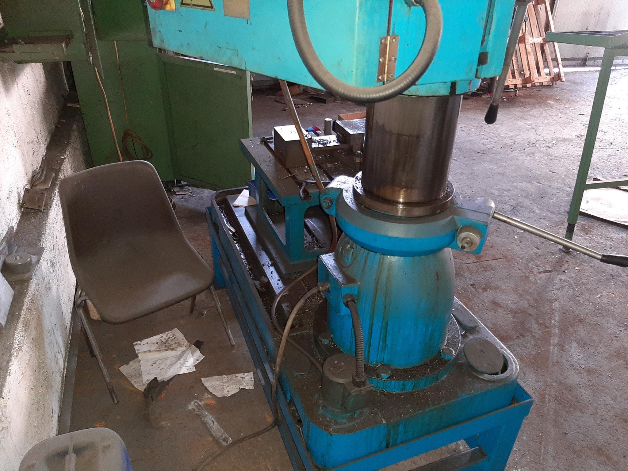 Trapano radiale Itama e materiale ferroso vario in vendita - foto 6