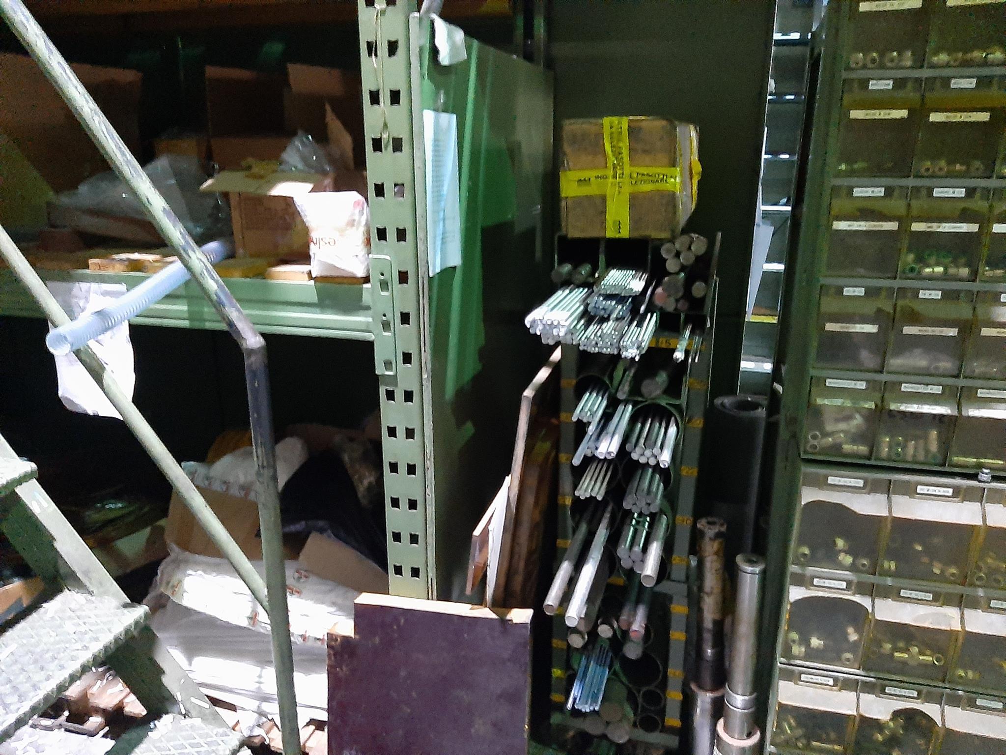 Magazzino componenti meccanici e oleodinamici in vendita - foto 5