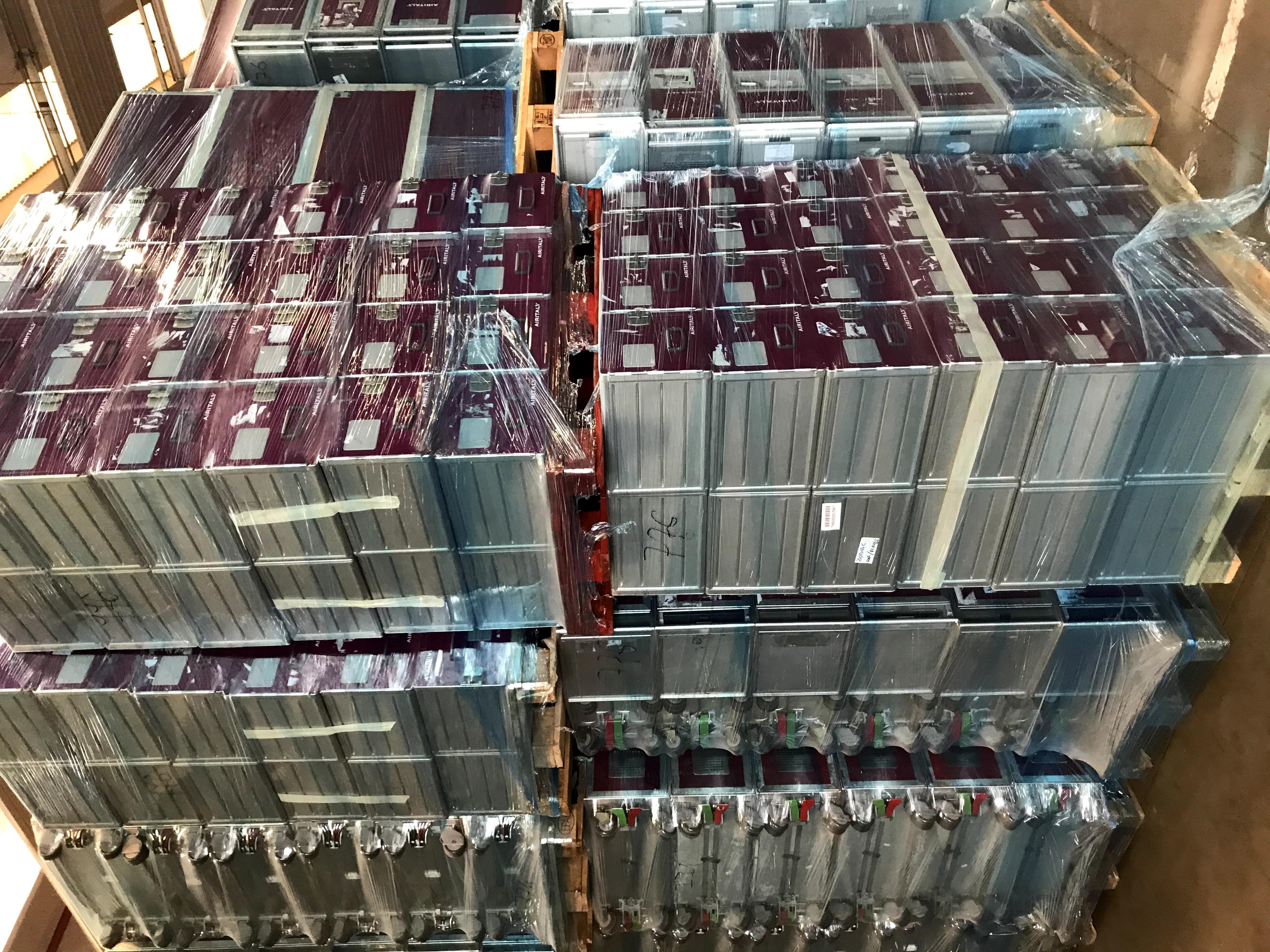 Stock di trolleys and standard units  in vendita - foto 6