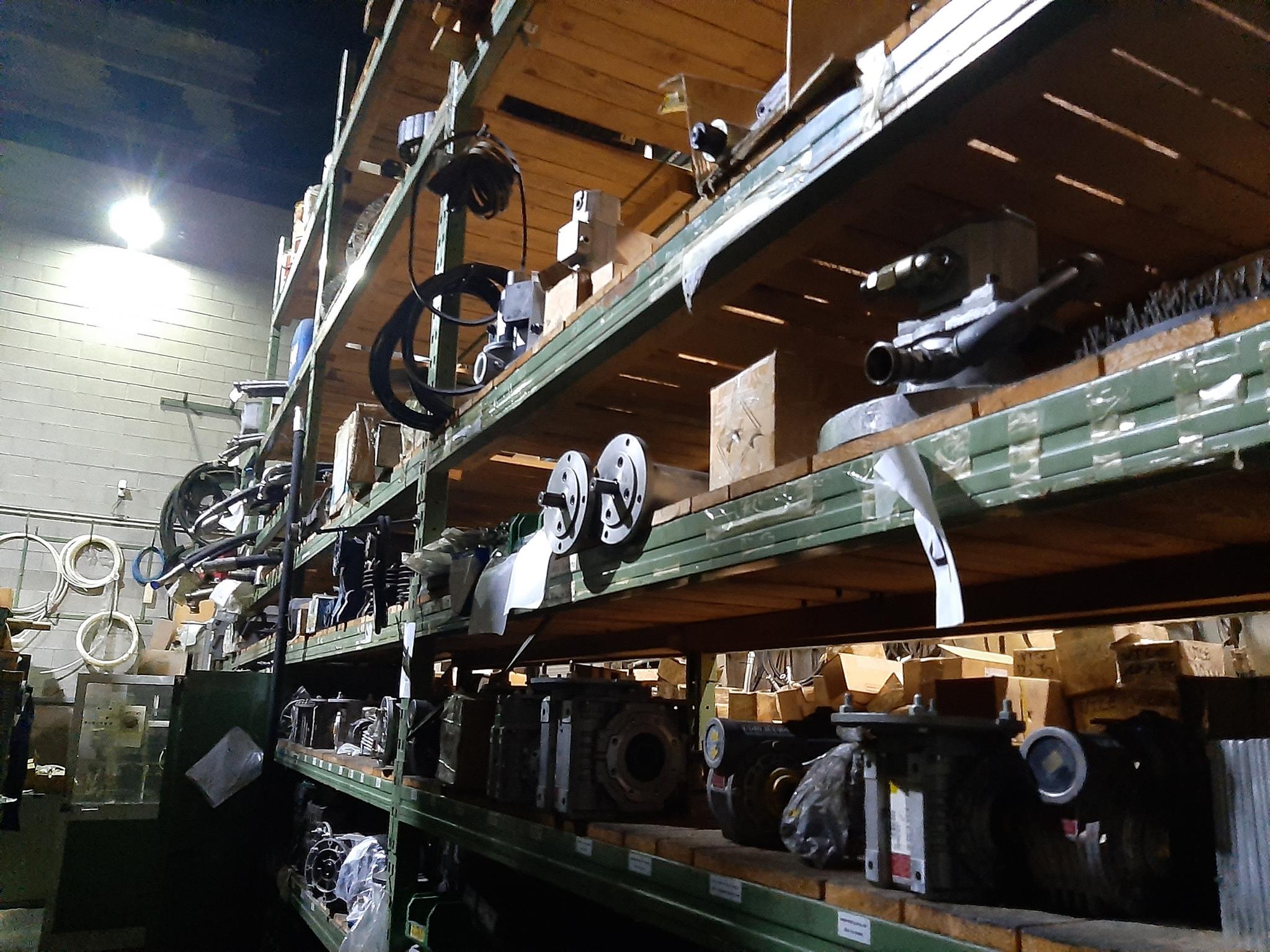Magazzino componenti meccanici e oleodinamici in vendita - foto 10