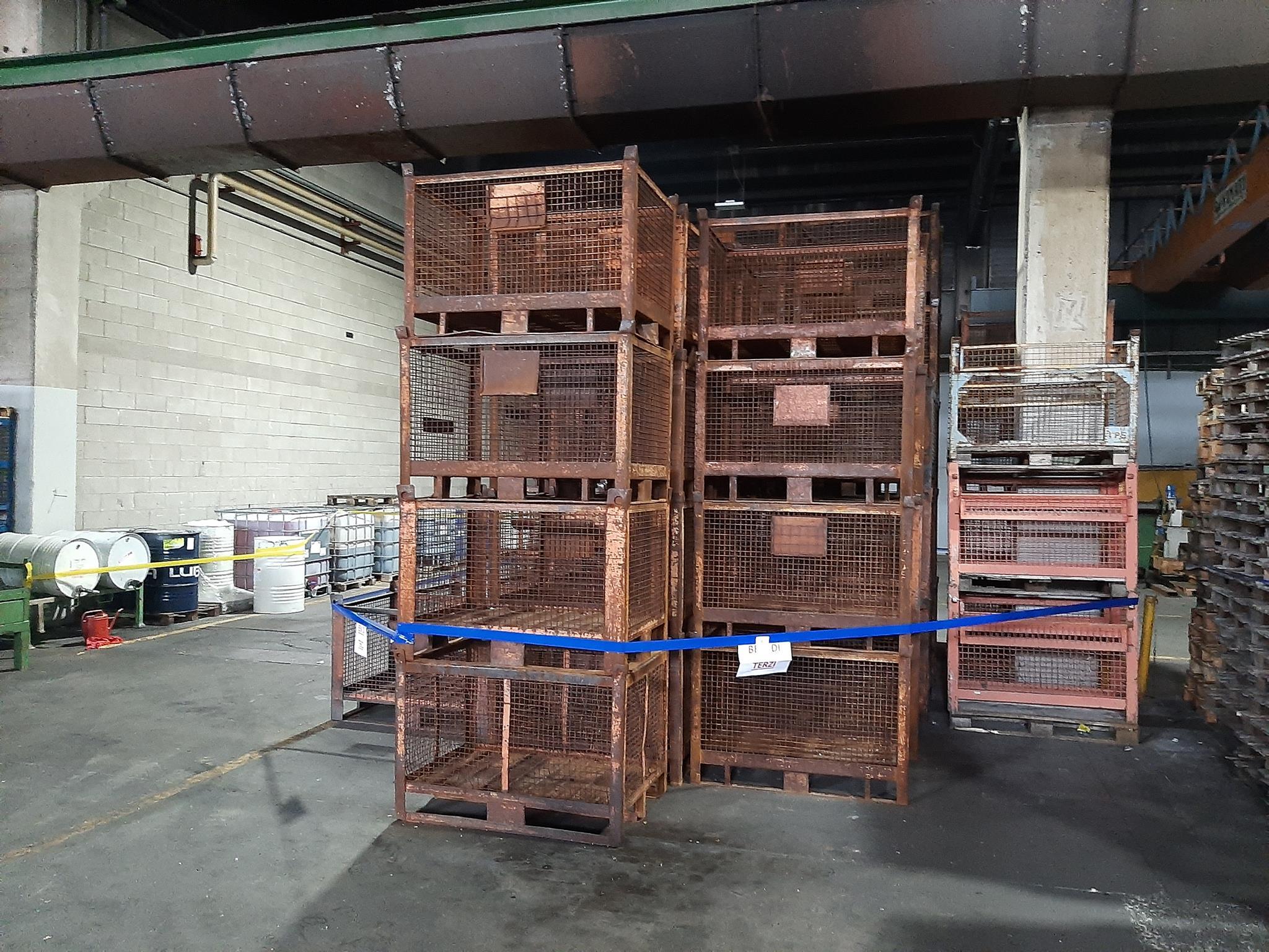 Ceste e cestoni in ferro, bancali in legno in vendita - foto 5
