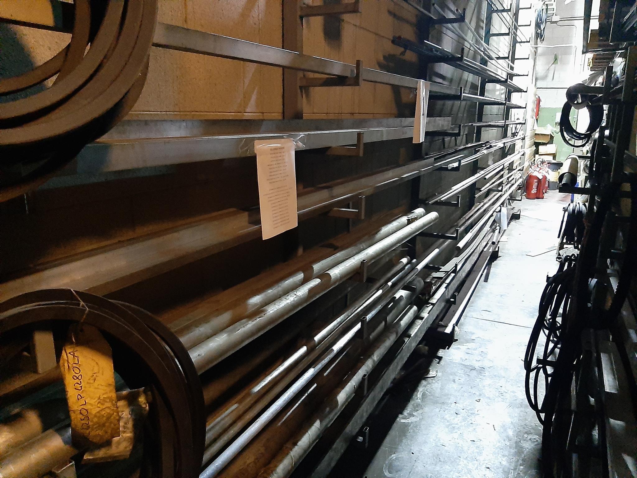 Magazzino componenti meccanici e oleodinamici in vendita - foto 8