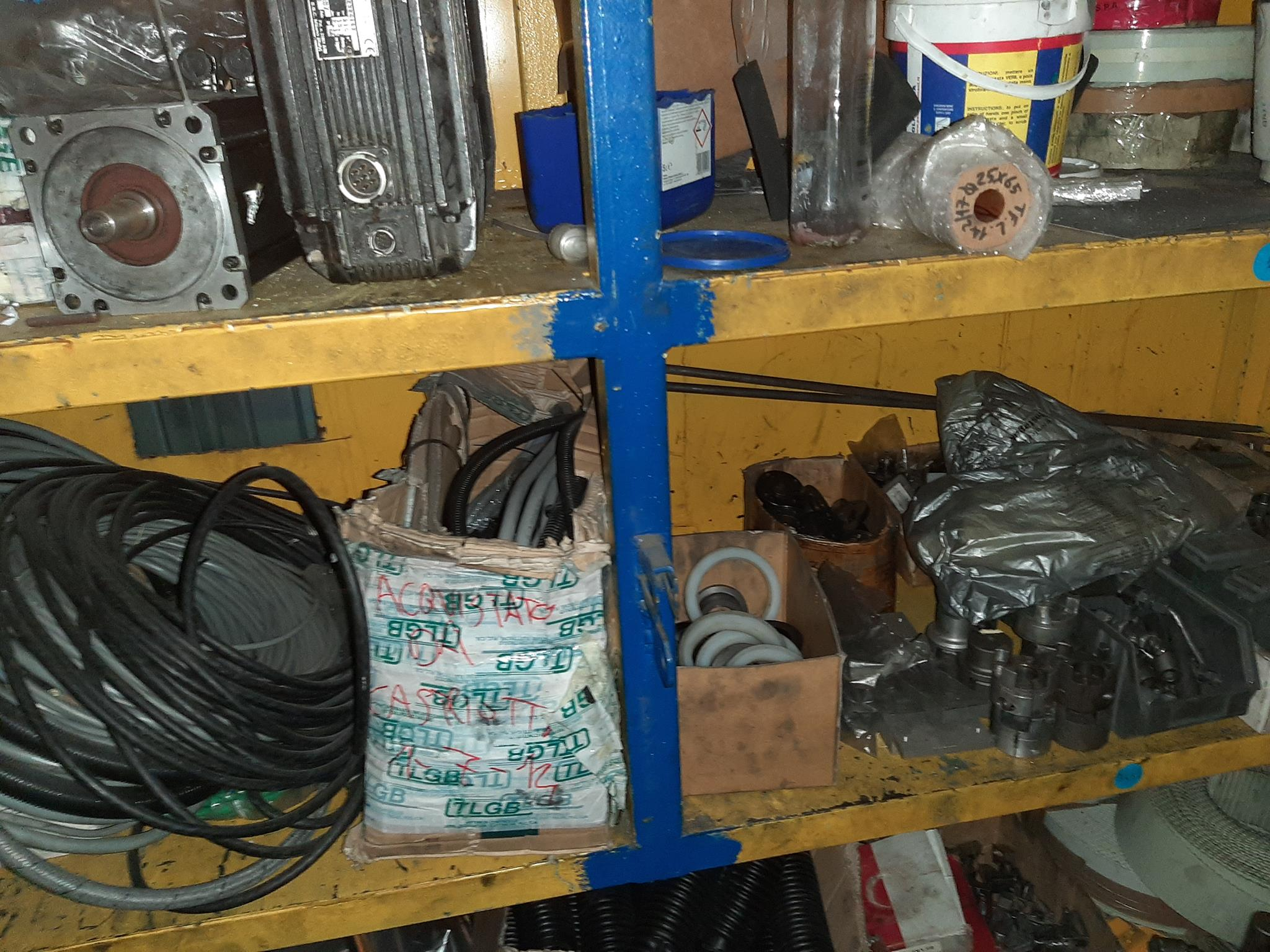 Parti ricambio per presse, colonne, macchinari utensili in vendita - foto 7