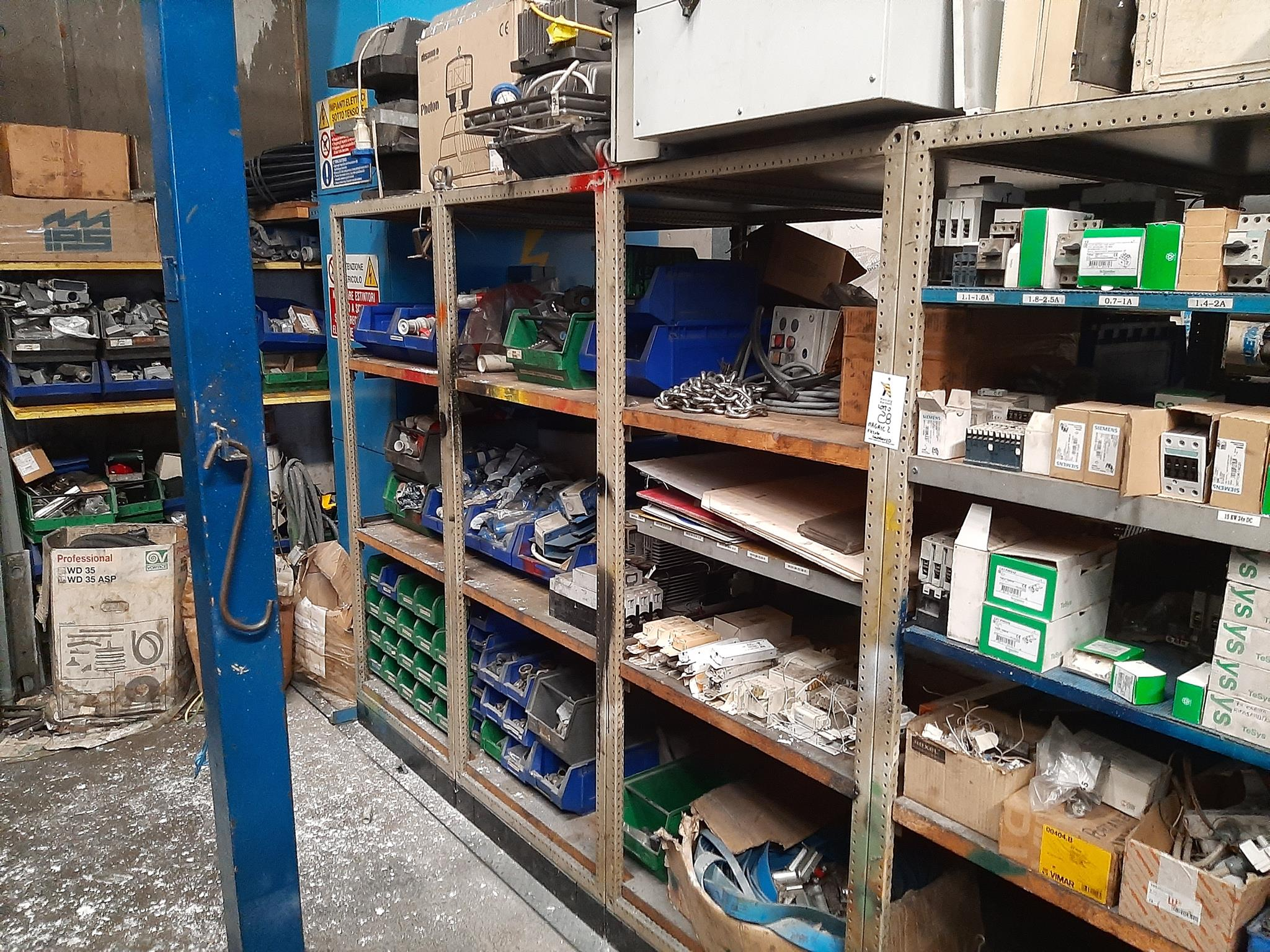 Magazzino componenti elettrici in vendita - foto 5