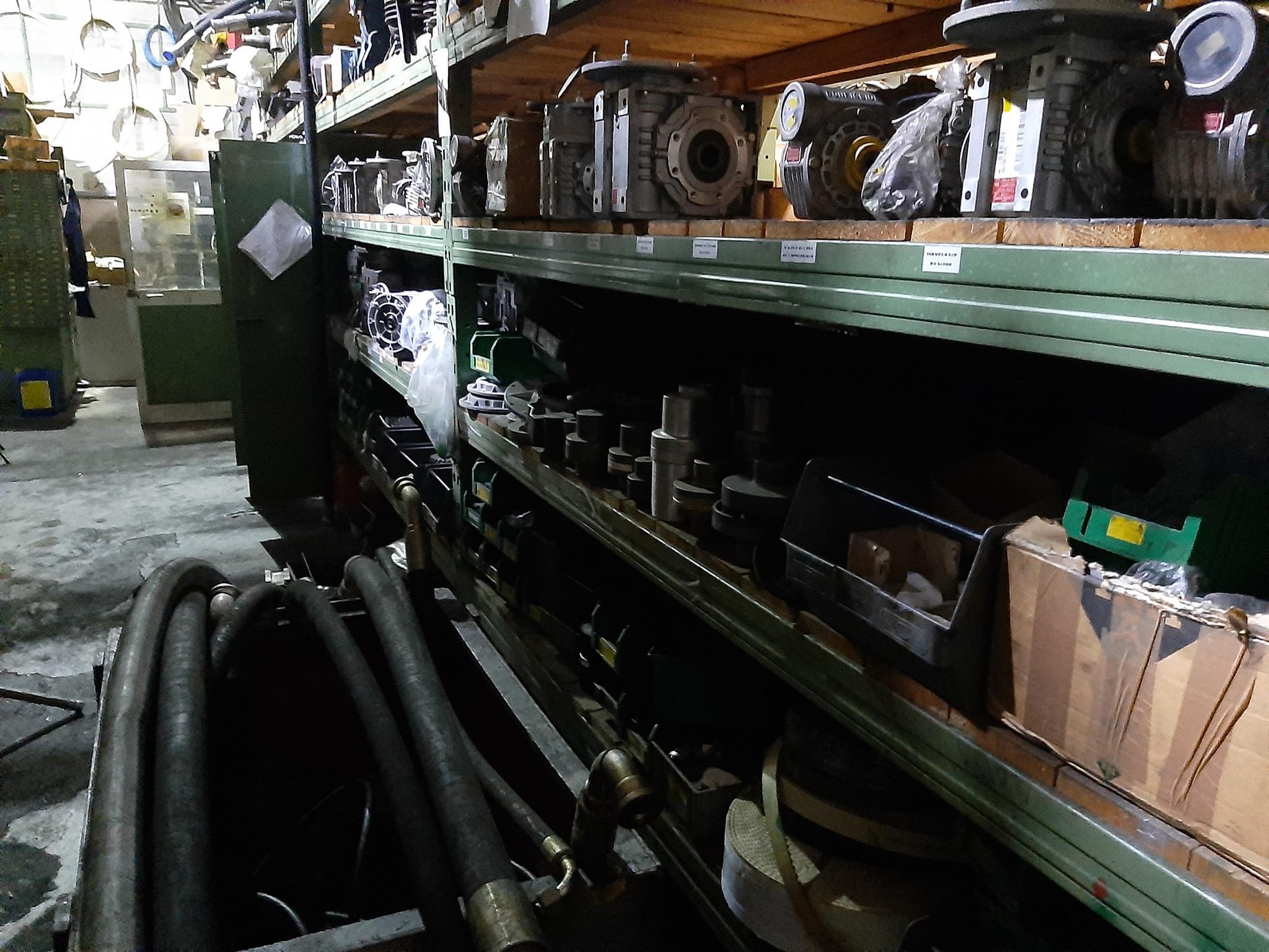 Magazzino componenti meccanici e oleodinamici in vendita - foto 3