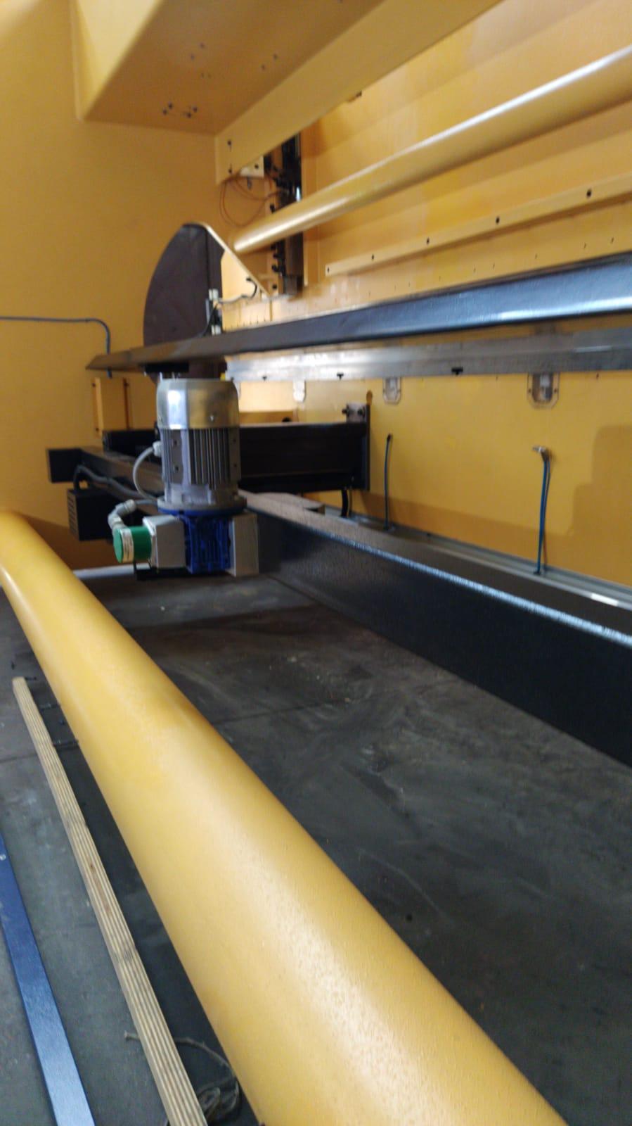 Pressa piegatrice oleodinamica 6500mm in vendita - foto 6