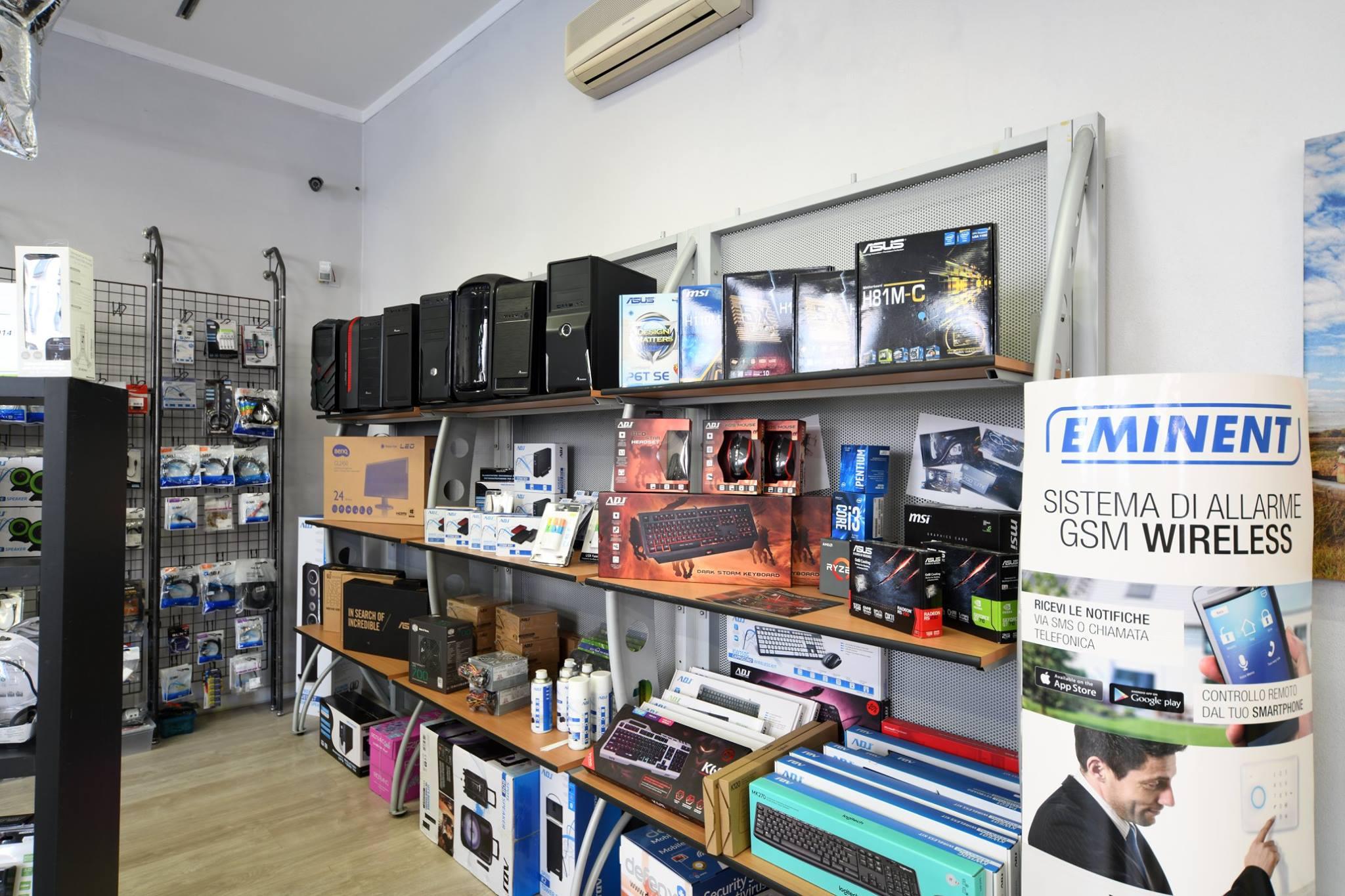 Negozio di Assistenza e Vendita di prodotti informatici in vendita - foto 3