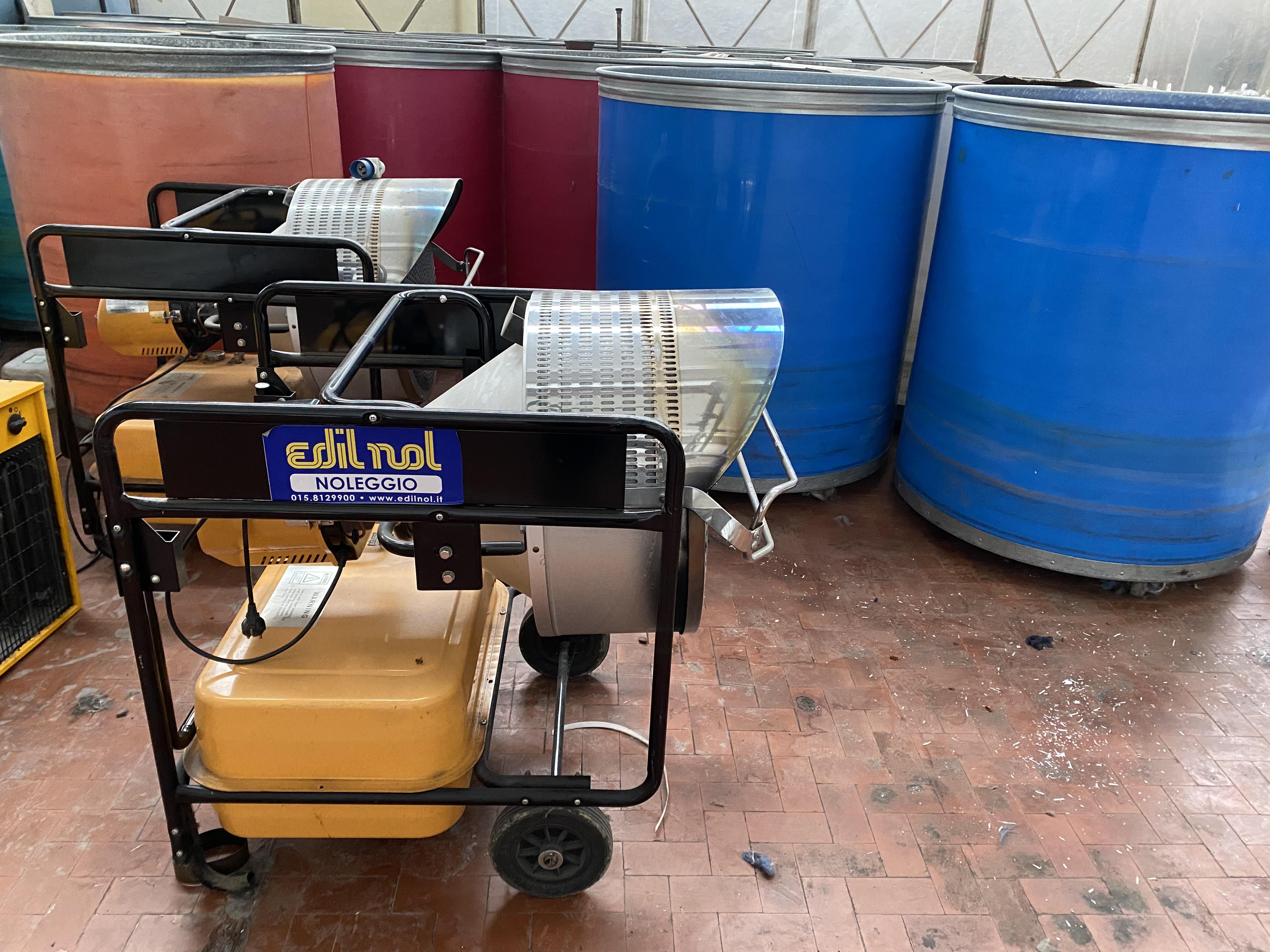 Due stufe a Gasolio per riscaldamento in vendita - foto 1
