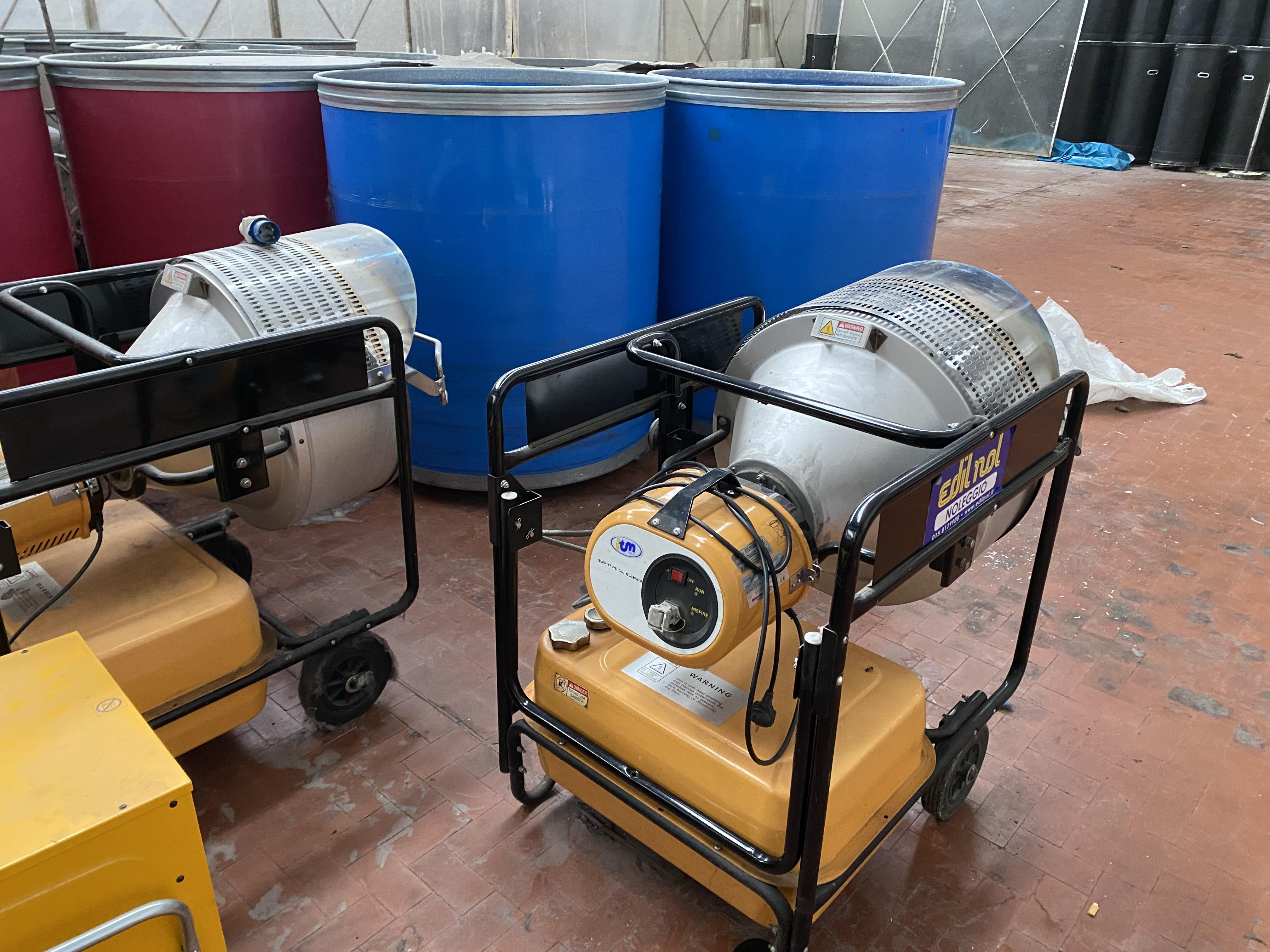 Due stufe a Gasolio per riscaldamento in vendita - foto 3